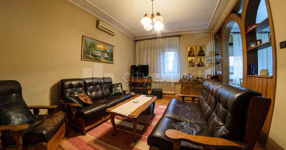 BEZ PROVIZIJE Kuća Sinđelićeva Gardoš Petosoban i veći Uknjižen