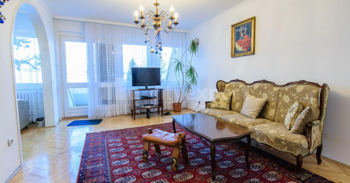 BEZ PROVIZIJE Kuća Miloša Crnjanskog Višnjička banja Petosoban i veći Uknjižen