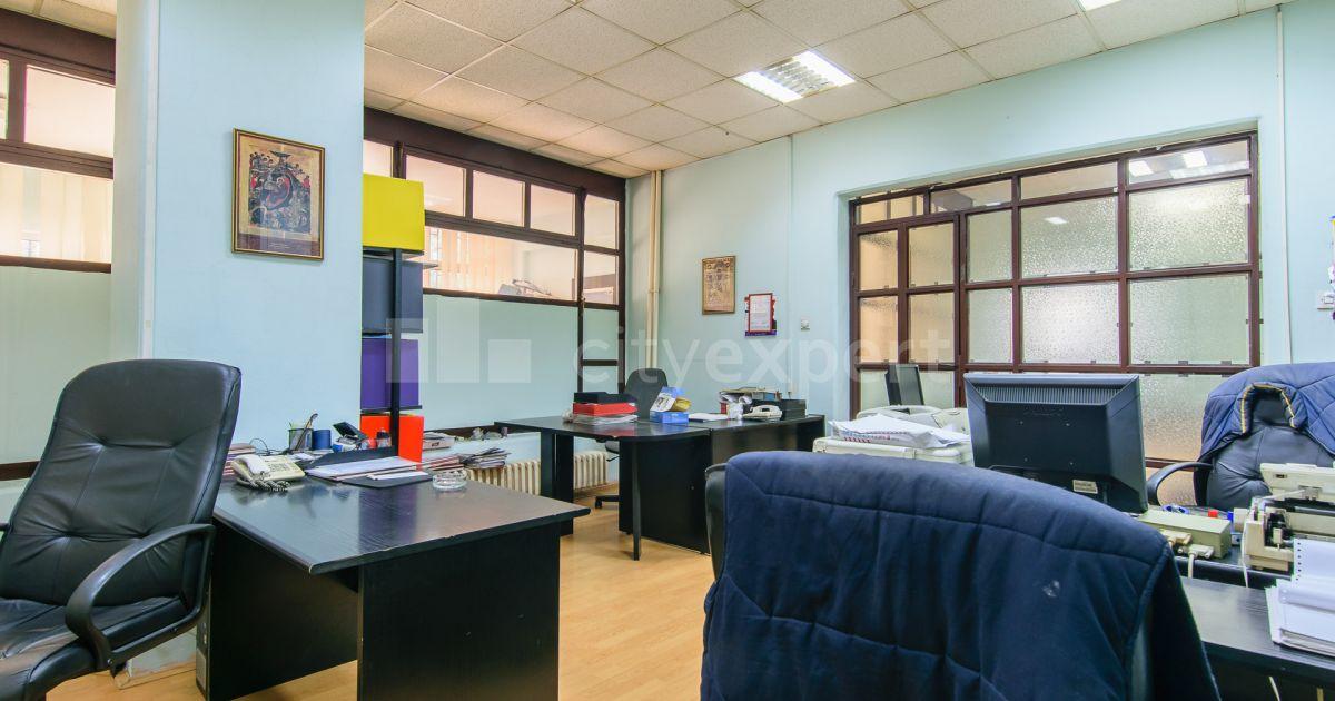 BEZ PROVIZIJE Poslovni prostor Strugarska Čukarička padina Uknjižen