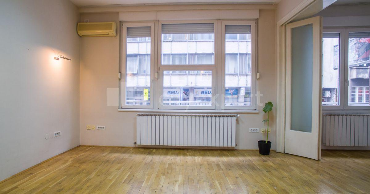 BEZ PROVIZIJE Poslovni prostor Kosovska Centar Uknjižen